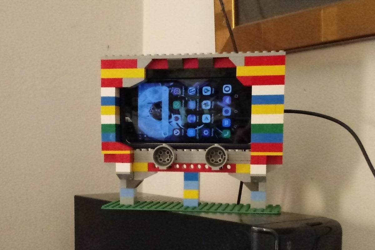 LEGO Phone Cradle, Mk. I