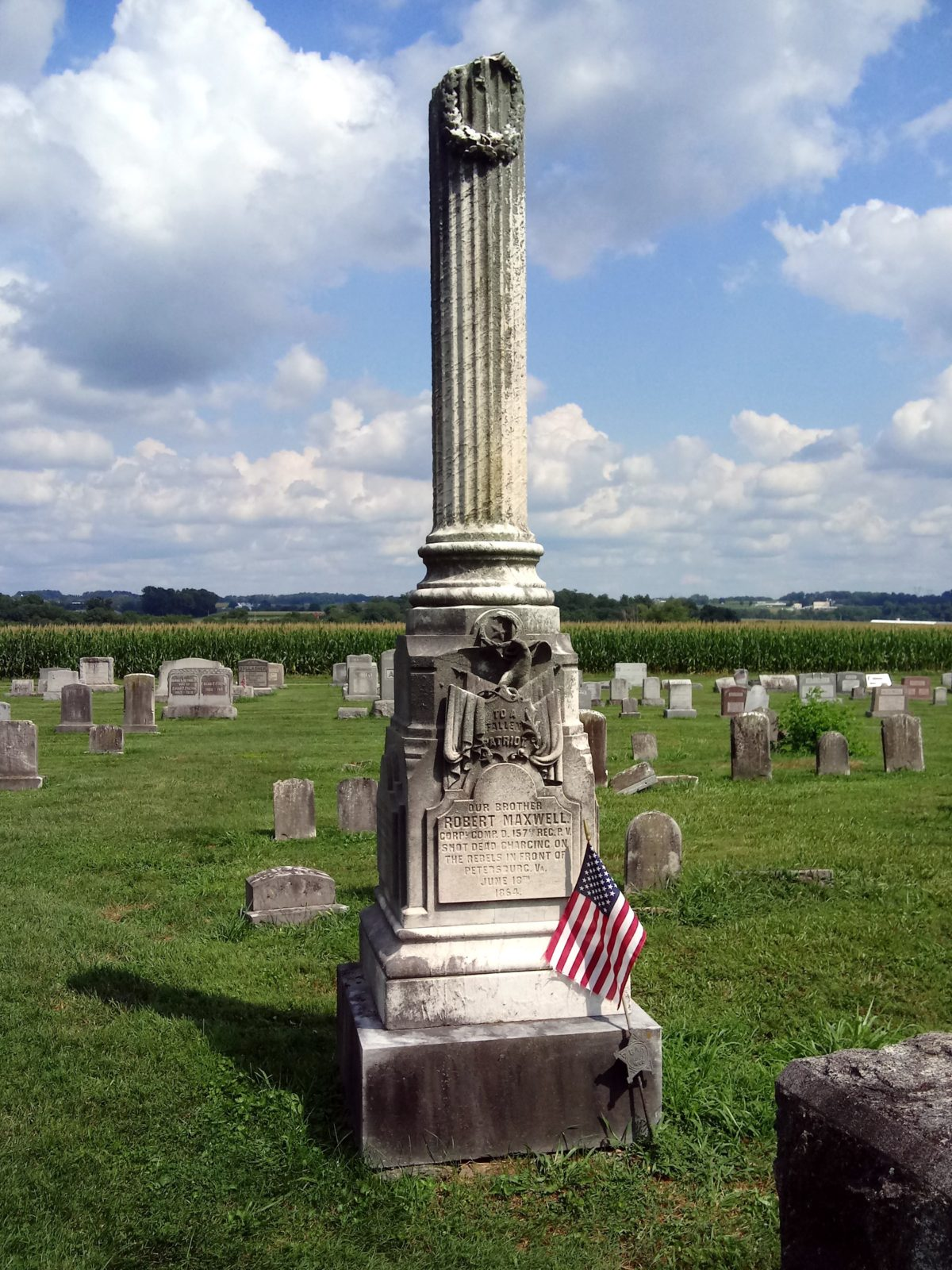Monument for Robert Maxwell, casualty of the Civil War